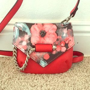 Mini purse that can be worn as a belt bag also